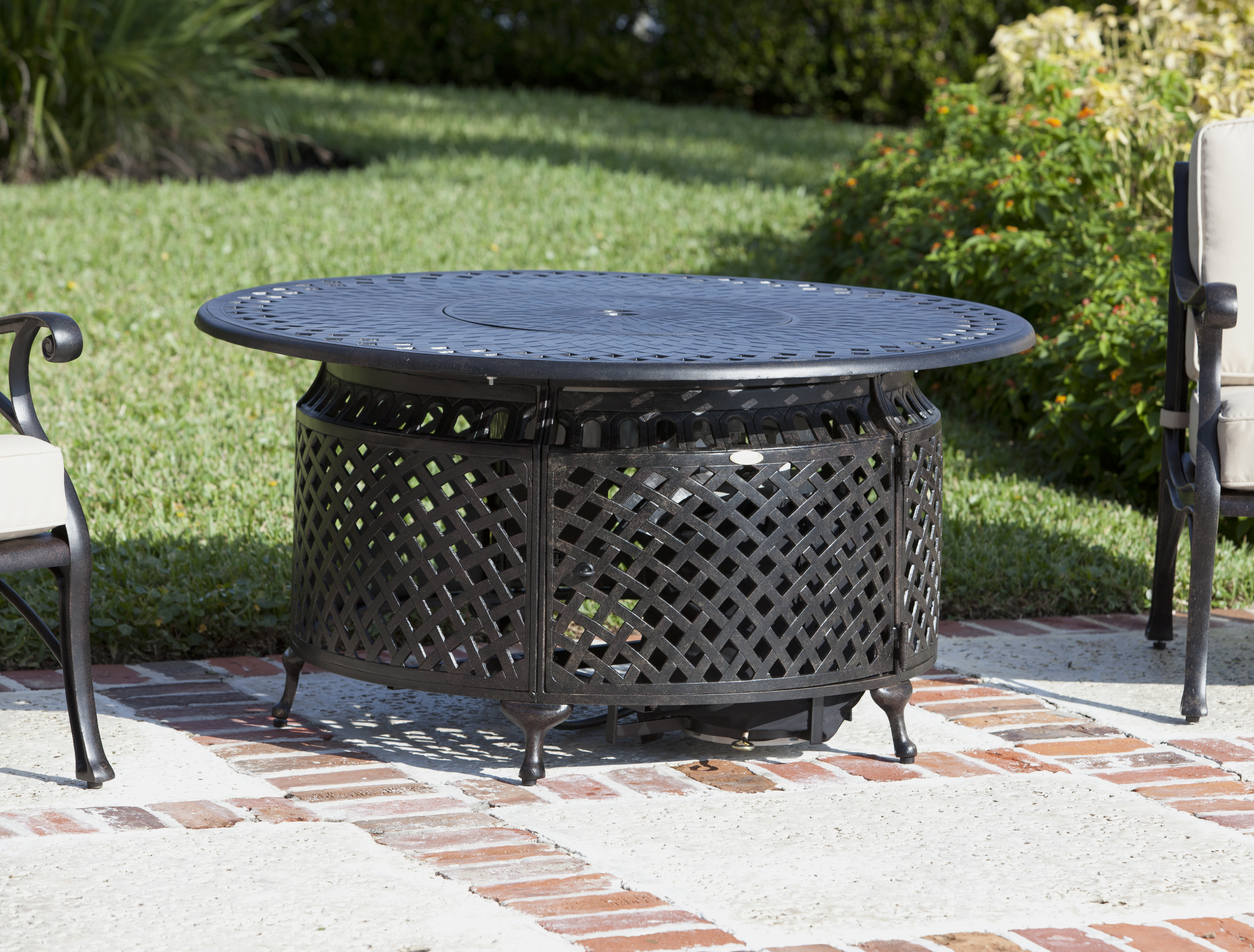 Venza Aluminum Round Lpg Fire Pit Well Traveled Living